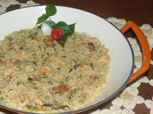 Arroz De Camarão E Mexilhão Ao Curry