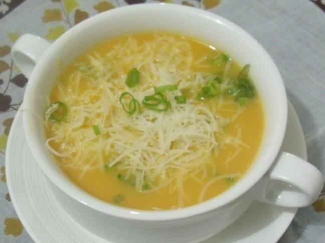 Sopa De Legumes Com Queijo Montanhês