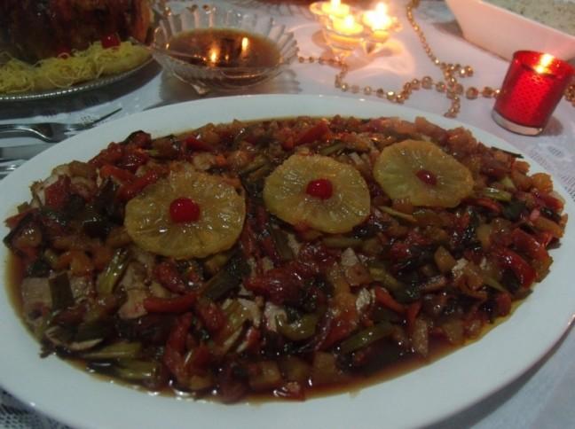 Lombo de Porco com Abacaxi e Cerejas