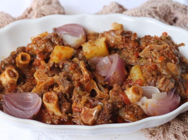 Rabada com Batata e Cebola Roxa