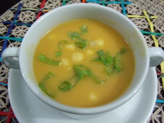 Sopa de Bolinhas De Queijo