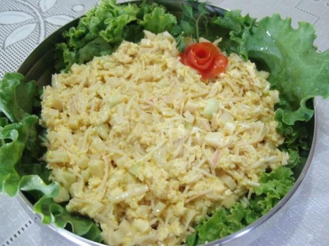 Salada De Kani Com Maçã Verde E Palmito